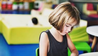 25 ερωτήσεις για να μάθετε από τα παιδιά «τι γίνεται» στο σχολείο!